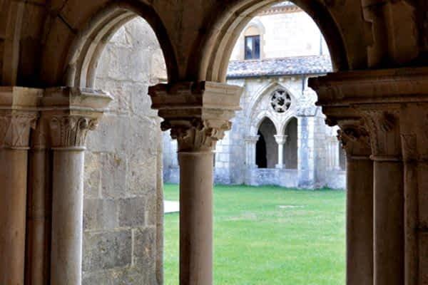 Tierras de Iranzu reedita el ciclo de visitas teatralizadas al monasterio  de Iranzu