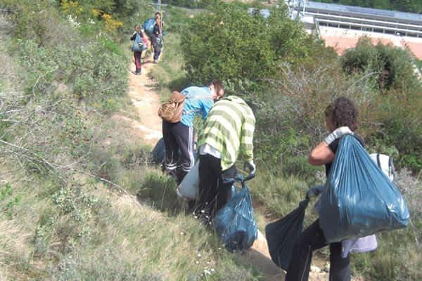 'Pasarelas' comenzó con limpiezas en el Ega y Santa Bárbara