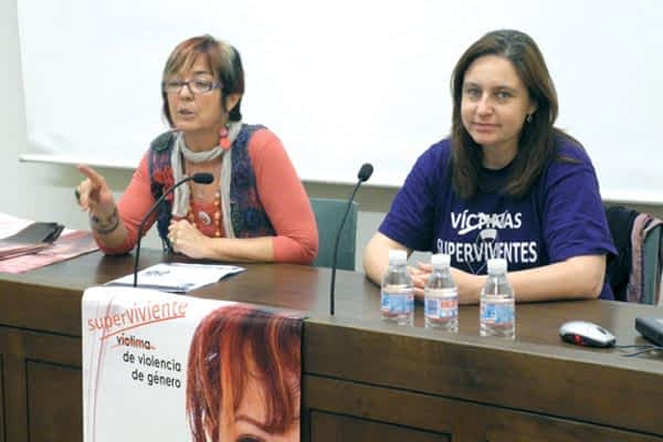 El colectivo 'Ana Bella', mujeres que sufrieron violencia de género,  visitó Estella