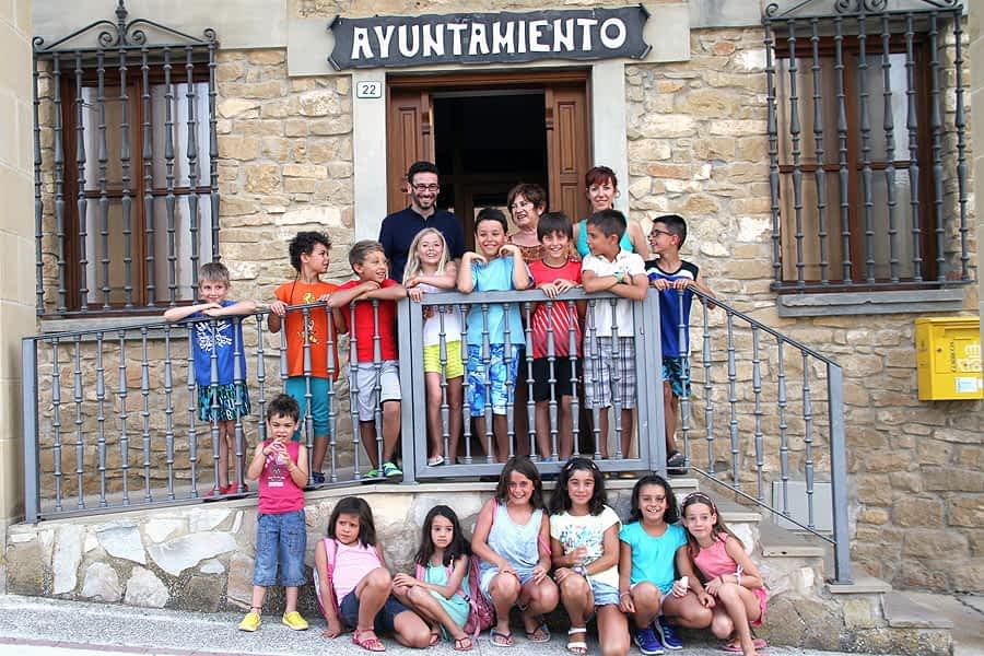 Primera investidura infantil en Villatuerta