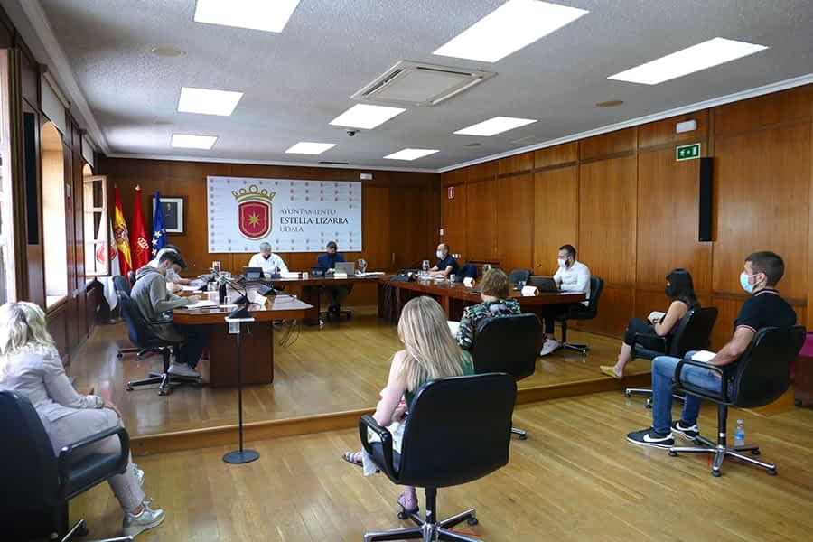 Navarra+ recrimina al alcalde Leoz la inacción ante aglomeraciones