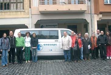 Una furgoneta acerca la oferta de servicios de Anasaps