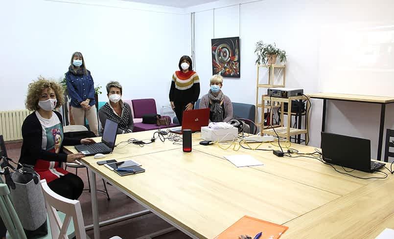 Un espacio de 'coworking' en Allo que espera el final de la pandemia