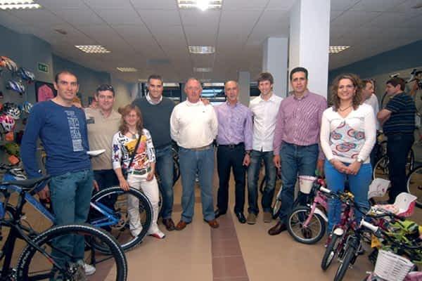 Ciclos Lizarra abre sus puertas en Estella de la mano del mecánico Pedro López García