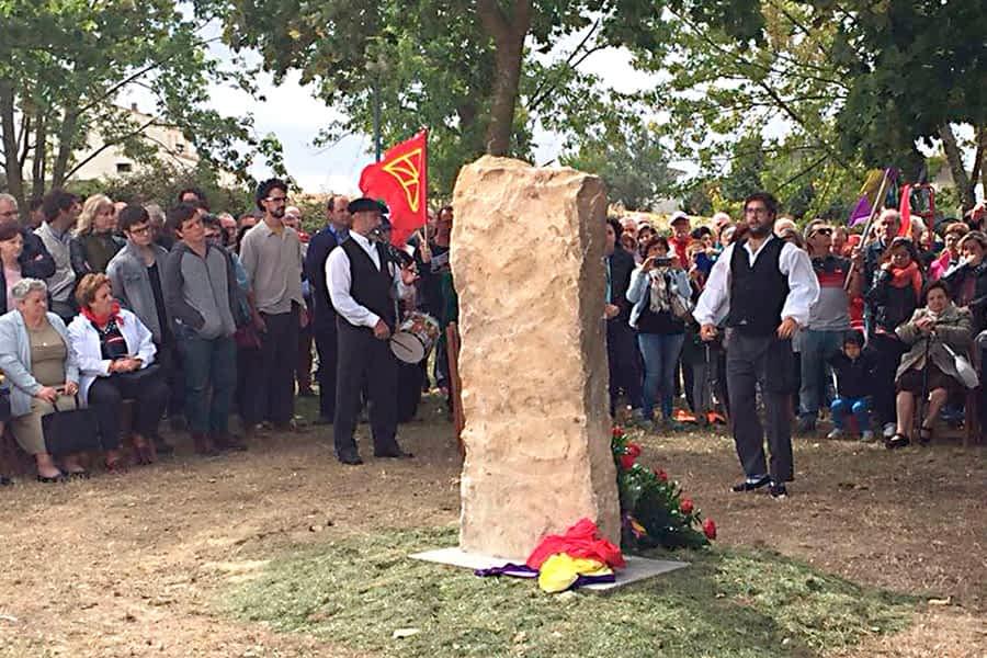 Oteiza homenajeó a los vecinos fusilados en 1936