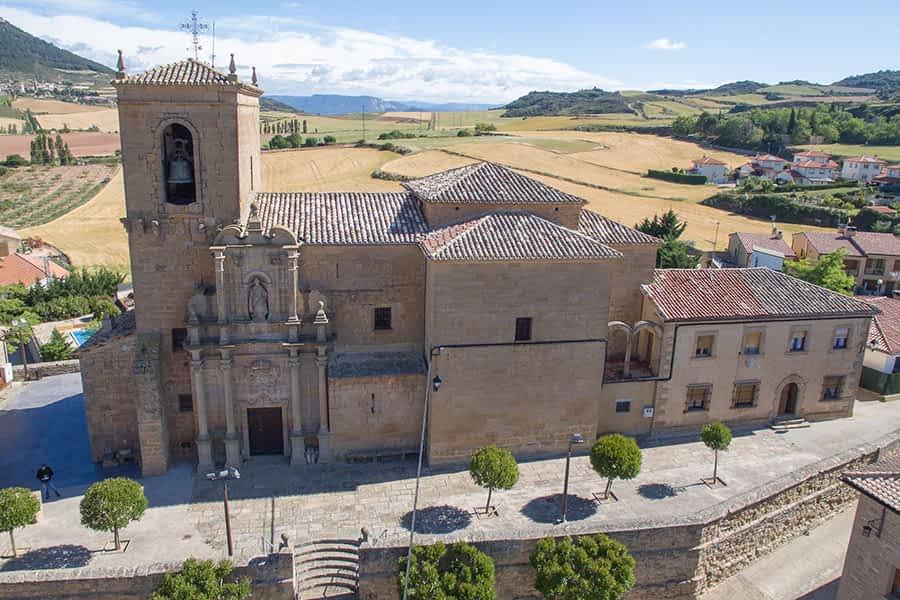 Vista aérea de la Iglesia de San Martín Obispo.