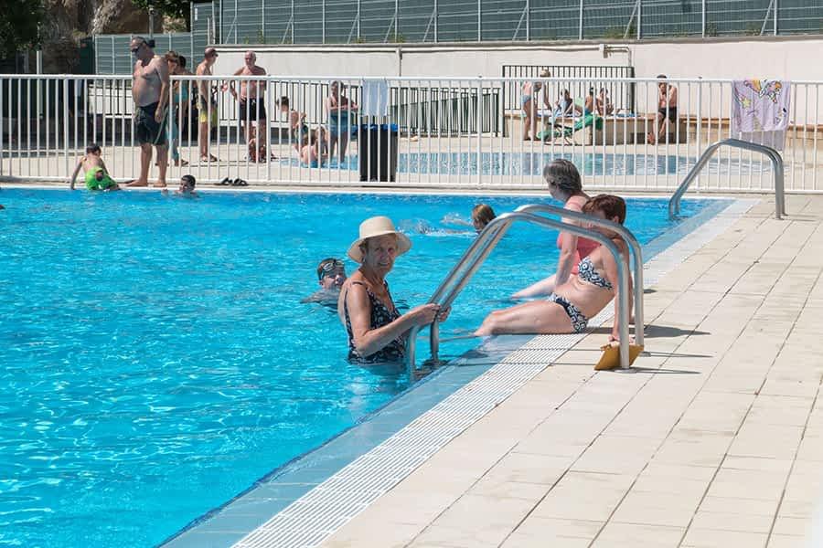 ¡Diversión en las piscinas!
