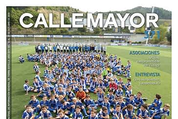 CALLE MAYOR 571 - LA GRAN FAMILIA DEL IZARRA SE PRESENTÓ EN MERKATONDOA