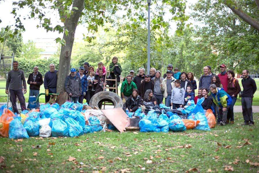 Retirados 830 kilos de residuos del Ega