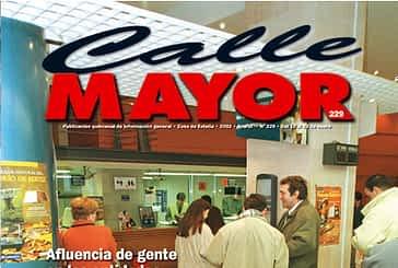 CALLE MAYOR 229 - AFLUENCIA DE GENTE EN LAS ENTIDADES BANCARIAS PARA EL CAMBIO DE MONEDA