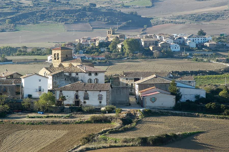 El Banco de la propiedad de Guesálaz suma veinte viviendas y catorce terrenos