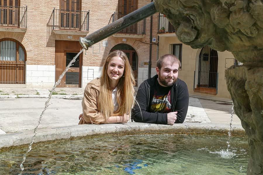 PRIMER PLANO – Sergio Díez y Ana Lumbreras – Miembros del Parlamento Joven de Navarra – La voz de los jóvenes se hace oír