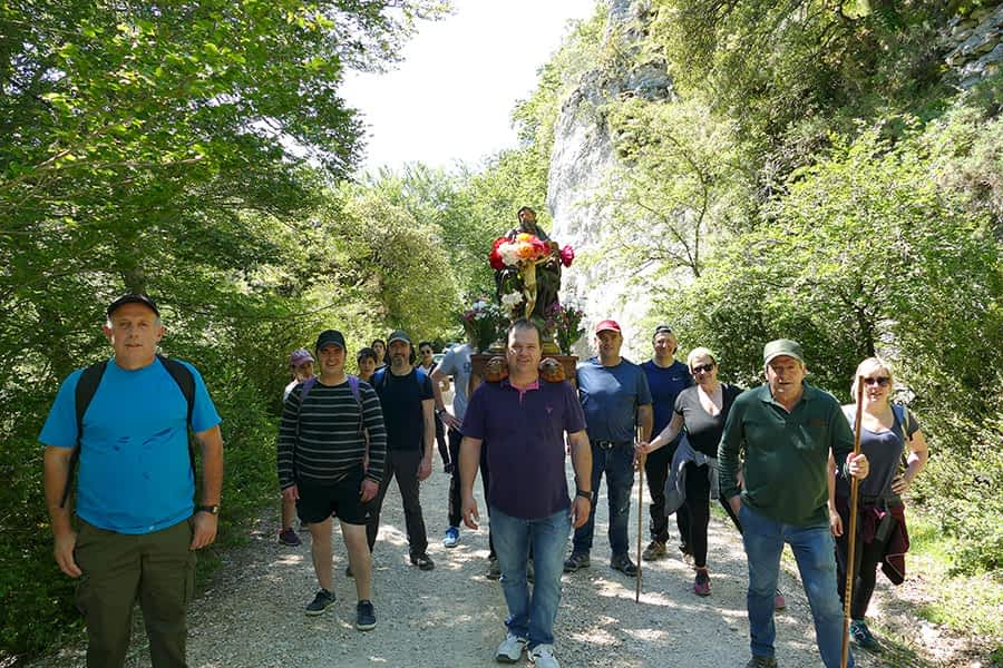 El Día de la Trinidad congregó a decenas de romeros