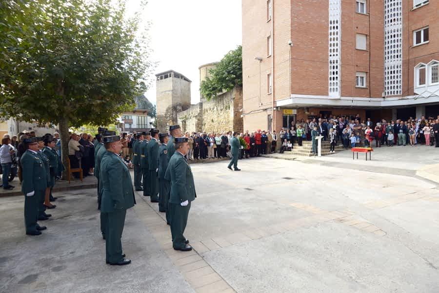 La Guardia Civil  suma al Día del Pilar un recuerdo a los dos asesinados en 1988