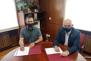 Ayuntamiento y Gobierno de Navarra firman un convenio para regenerar el casco histórico de Estella