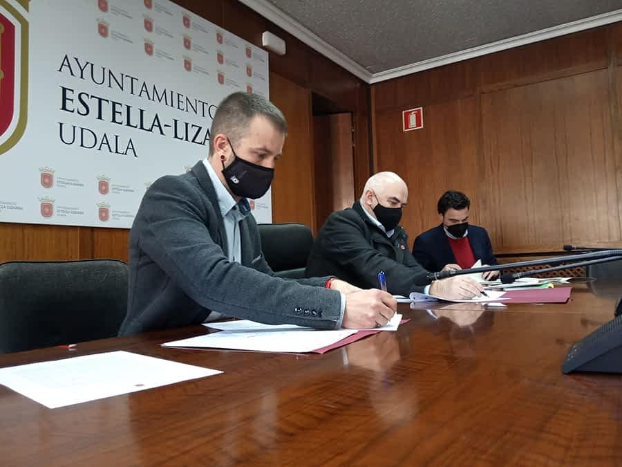 Gobierno y Ayuntamiento firman la ampliación del polígono de Oncineda