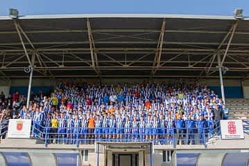 El Izarra presentó a sus 250 jugadores