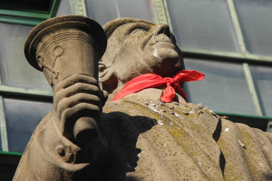 Monumento al auroro, plaza San Francisco de Asís, Estella