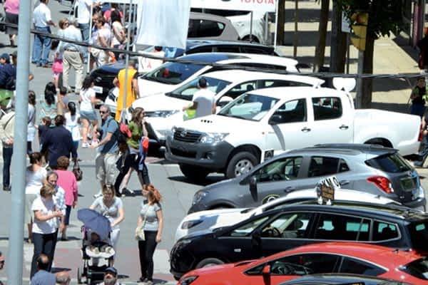 El paseo de la Inmaculada se convirtió en salón del automóvil