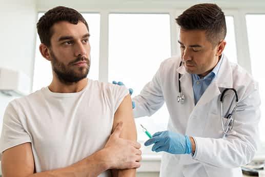 La campaña de vacunación contra la gripe se extiende este año durante dos meses