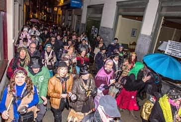 El ruido de los caldereros y el fuego de Aldabika anuncian el Carnaval