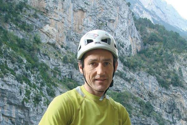Charla y proyección del alpinista Mikel Zabalza en la Escuela de Música de Estella