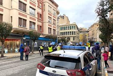 Una concentración de Policía Municipal retrasó el inicio del Pleno de enero