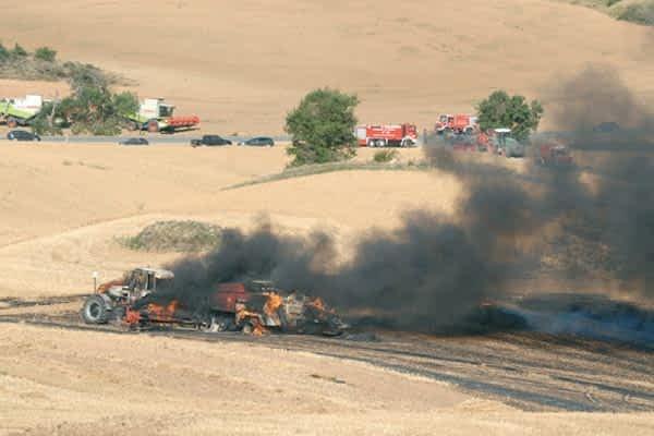 Incendio de una  rastrojera en Oteiza