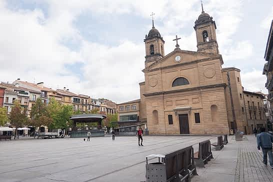 El Ayuntamiento cambiará el quiosco de la plaza de los Fueros de Estella