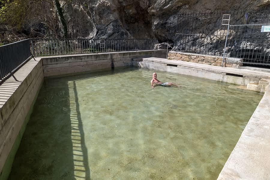 El Ayuntamiento actuará en el Agua Salada para surtir y llenar la poza