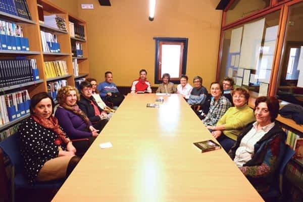 Grupo literario de la biblioteca de Estella. El placer de comentar los libros