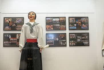 Los exdanzaris recordaron en una exposición los 50 años de Lizarra Ikastola