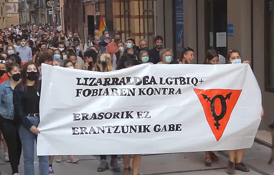 Manifestación en respuesta  a una agresión homófoba en Tierra Estella