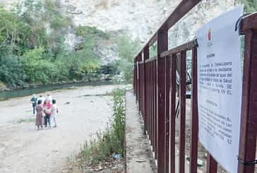 El Ayuntamiento desaconseja el baño en la playa del Ega