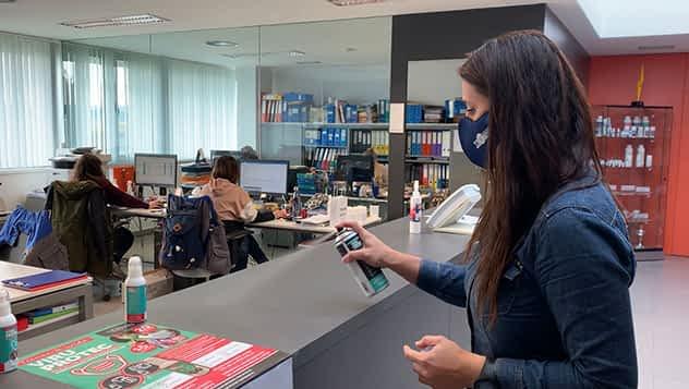 Lurederra lanza dos productos desinfectantes permanentes de superficies y tejidos