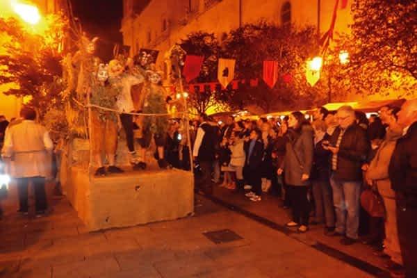 El grupo de teatro de Bargota, Garañango, actuó en la recreación del Auto de Fe de Logroño