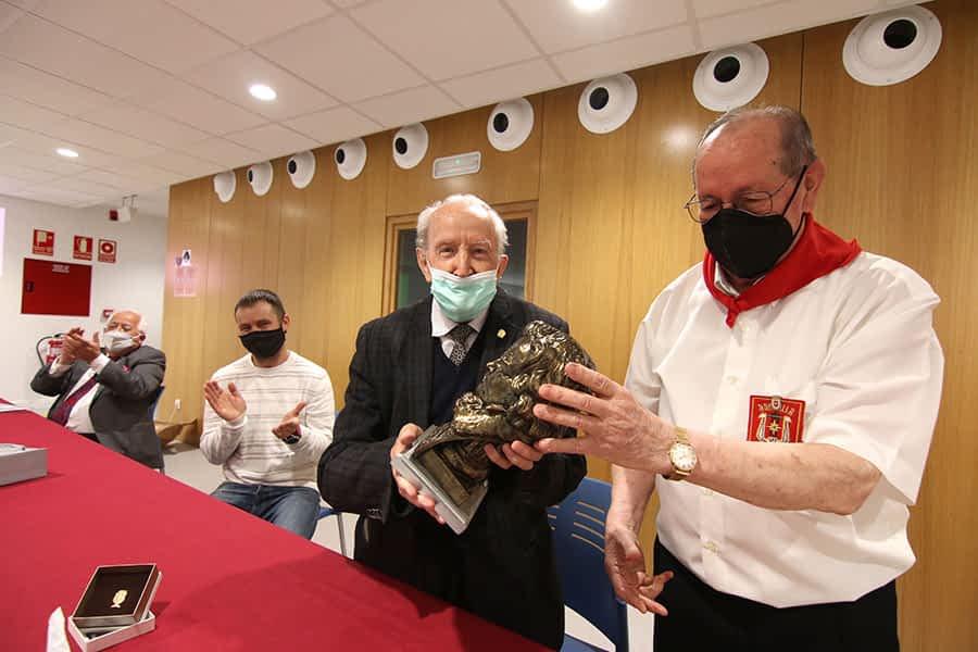 Domingo Llauró recibe el título de Hijo Adoptivo de Estella