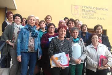 Veinte mujeres aprendieron nociones sobre el cuidado de cuidadores de personas con demencias