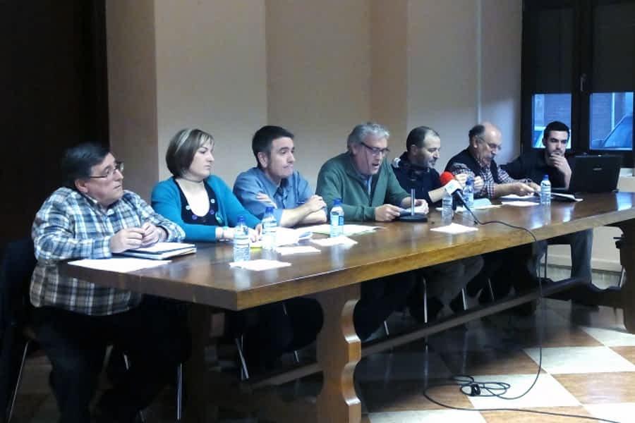 Salvemos el Ega  celebró una charla- debate sobre  las extracciones de agua en el río Ega