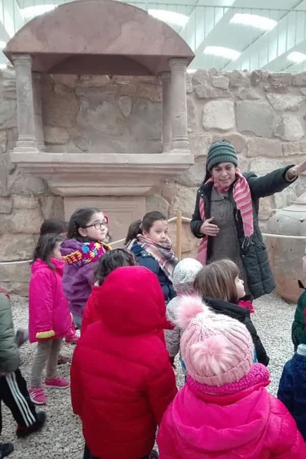 Exposiciones sobre la época romana en la escuela rural de Arróniz