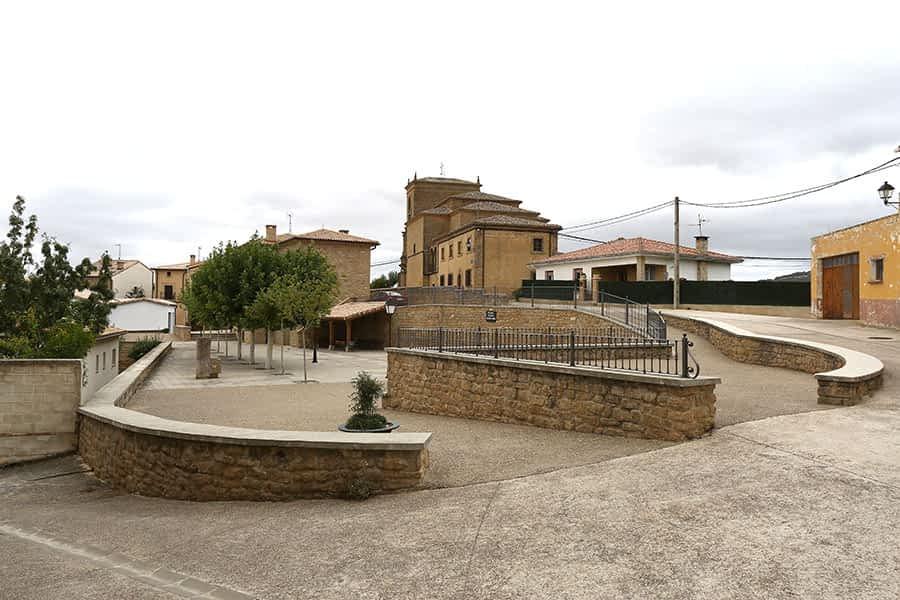 Imagen de la plaza de los Fueros de Luquin.