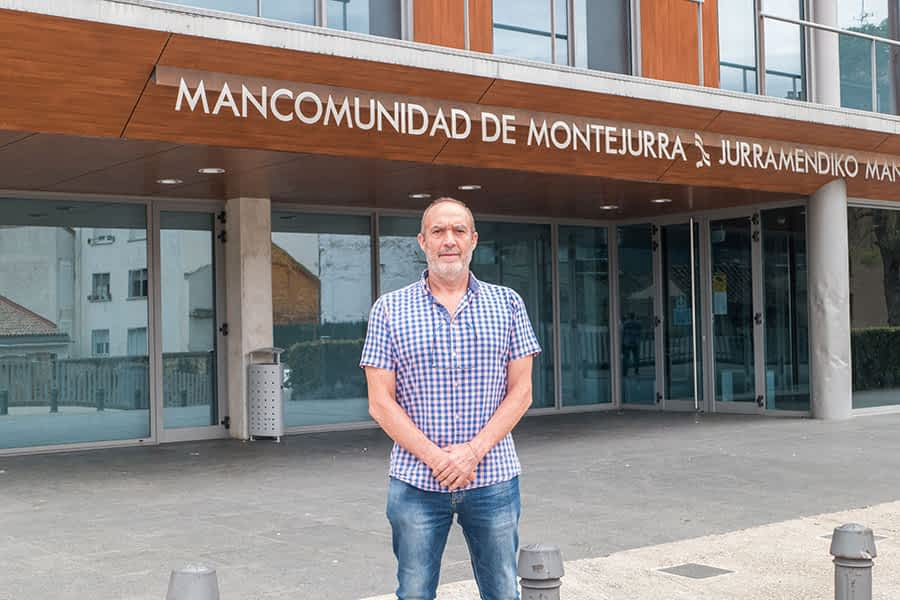 """PRIMER PLANO – Emilio Cigudosa García, presidente de la Mancomunidad de Montejurra – """"Es  importante  concienciar sobre la separación correcta de los residuos  en el hogar"""""""