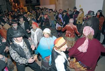El nuevo local de La Bota abrió el desfile de Caldereros