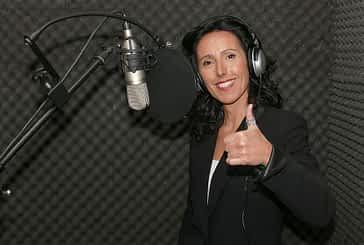 """'LOCOS POR...' - La canción - Ana Ganuza - """"Ante el público  se me olvida  cualquier mal  rollo, me siento libre"""""""