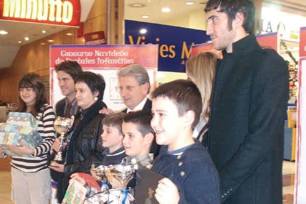 El niño Jesús Ganuza ganó el concurso de postal navideña de Fundación Osasuna