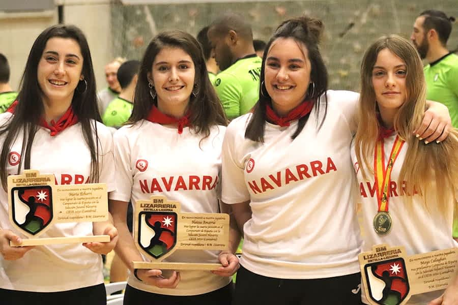 Homenaje a cuatro jugadoras del Lizarreria