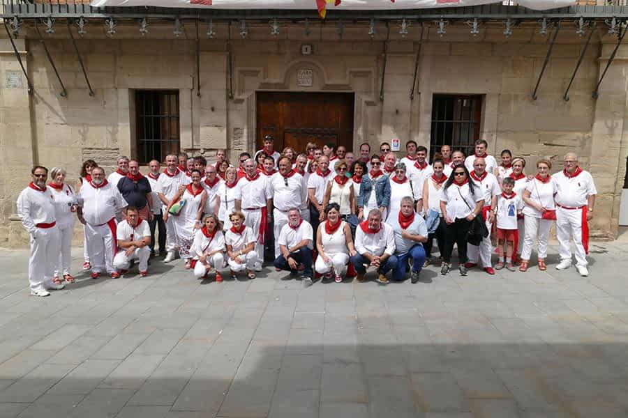 Las Fiestas de Los Arcos y el arte de cocinar pochas para 1.600 comensales