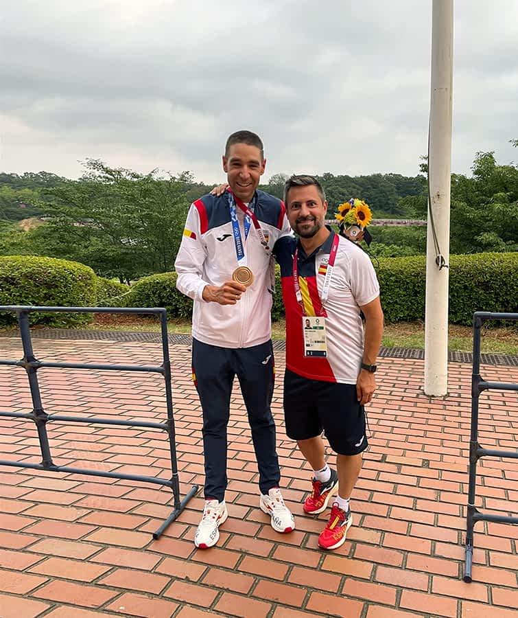 """PRIMER PLANO – Mikel Zabala Díaz – Seleccionador Nacional de Mountain Bike – """"De estos Juegos Olímpicos me quedo con el abrazo que nos dimos Valero y yo en la meta"""""""