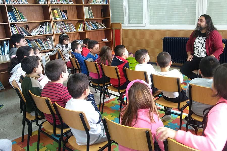 El escritor Pep Bruno visitó el colegio Remontival