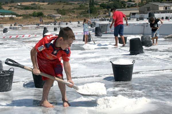 Baños y catas de sal en Salinas de Oro